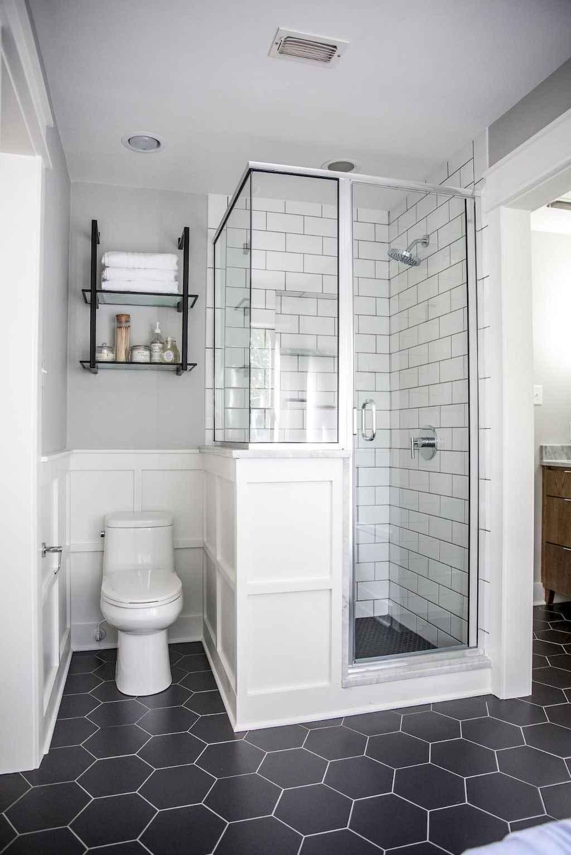 Inspiring apartment bathroom remodel ideas on a budget (30)
