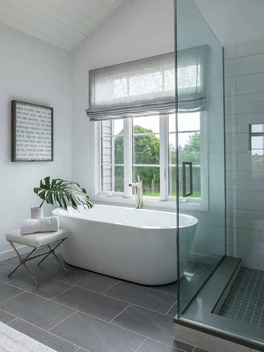 Inspiring apartment bathroom remodel ideas on a budget (40)