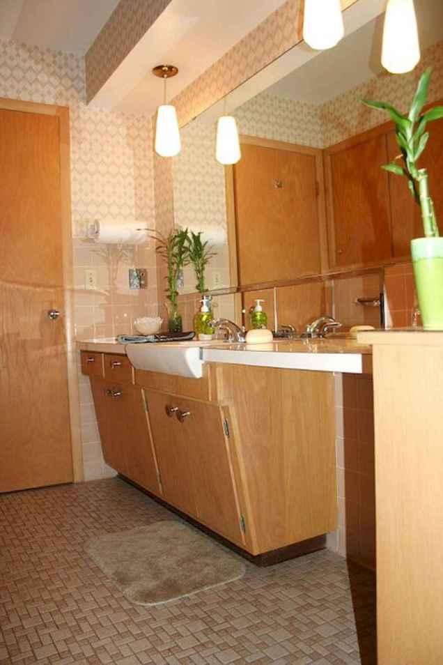 Mid century bathroom decoration ideas (35)