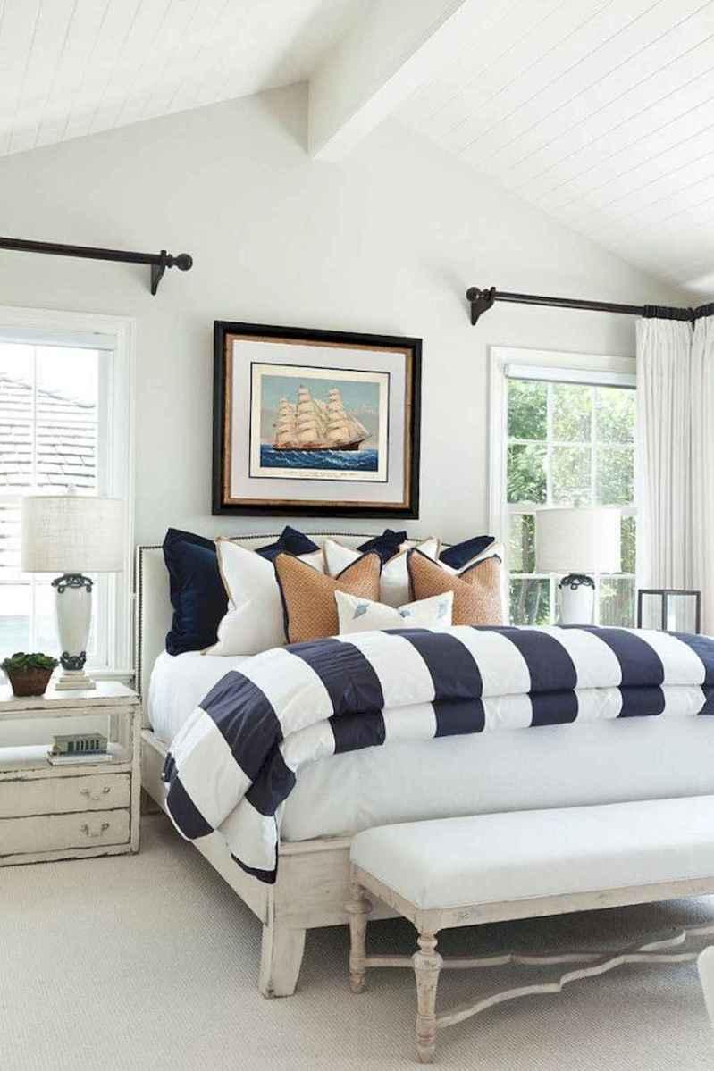 Perfect coastal beach bedroom decoration ideas (7)
