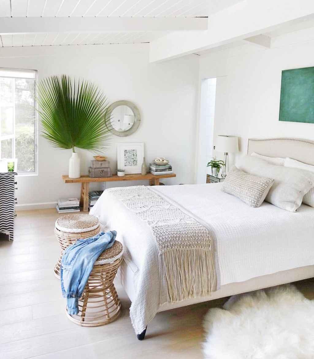 Perfect coastal beach bedroom decoration ideas (8)