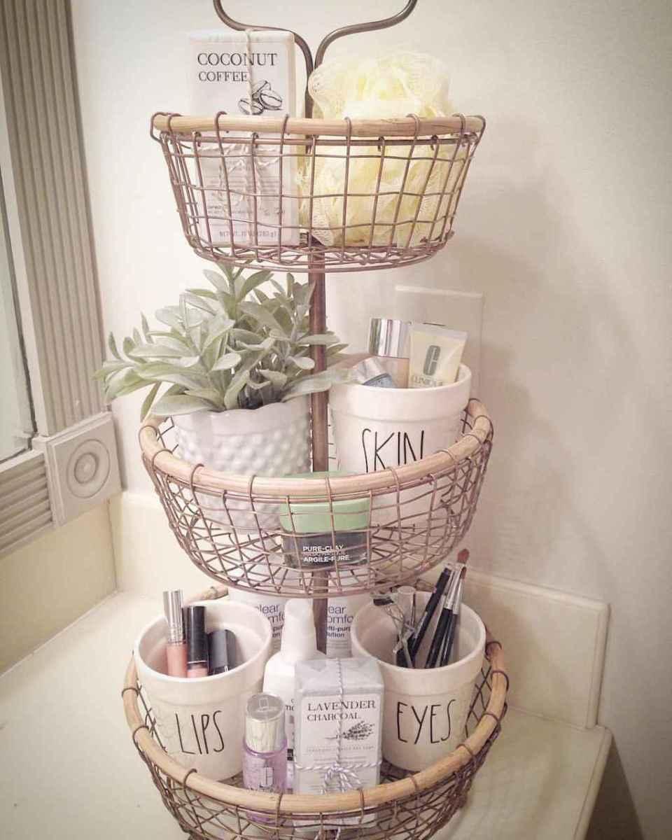 Quick and easy bathroom organization storage ideas (20)