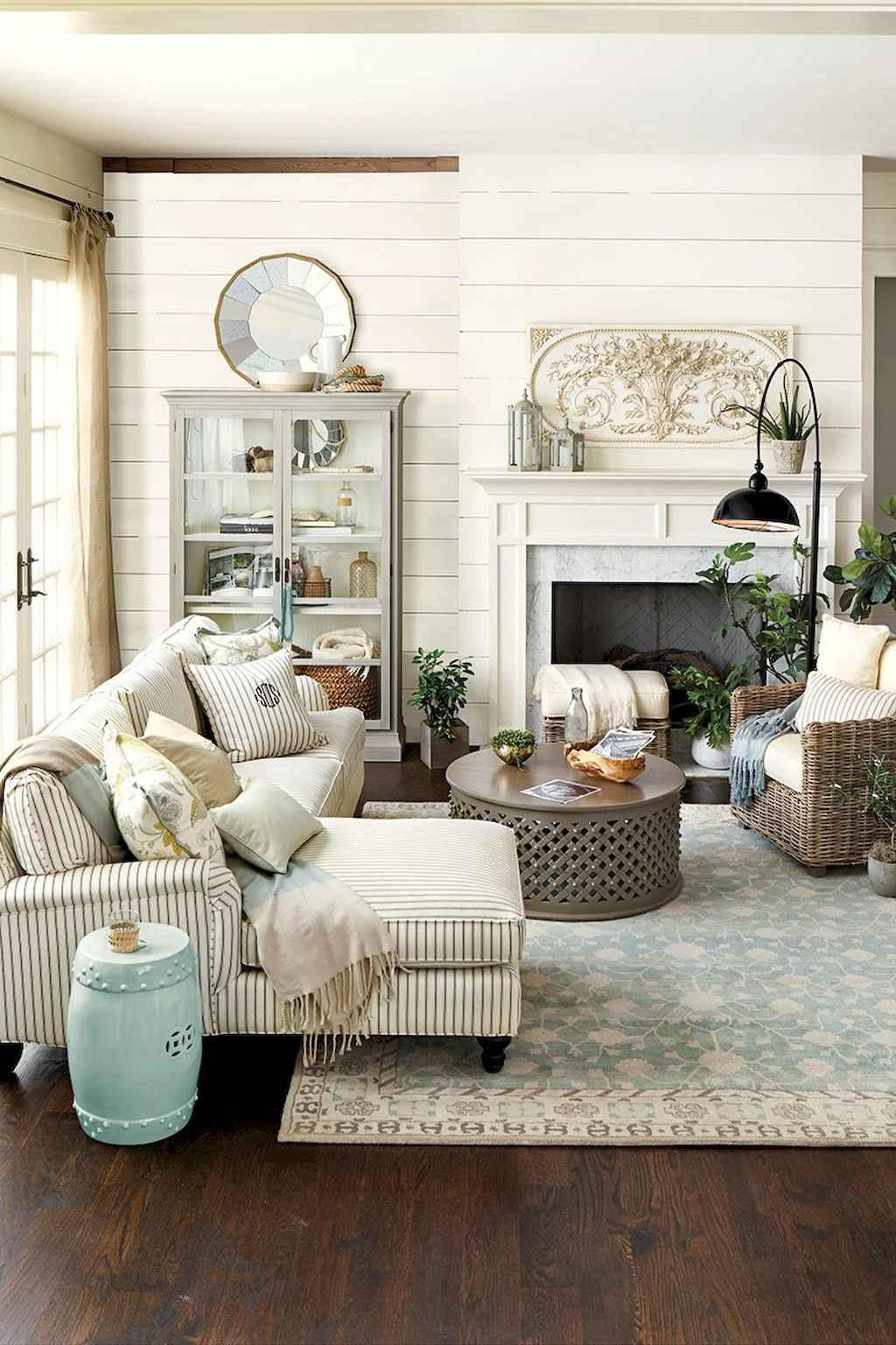 Simple clean vintage living room decorating ideas (2)