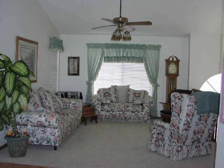 Simple clean vintage living room decorating ideas (45)