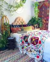 Warm and cozy bohemian master bedroom decor ideas (13)