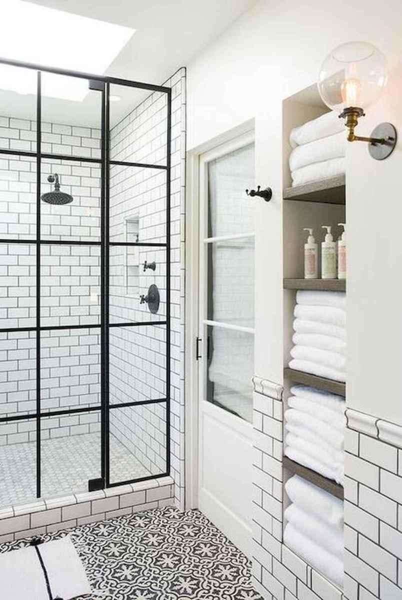 Beautiful bathroom tile remodel ideas (35)