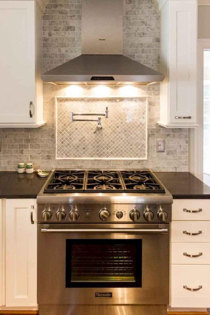 Beautiful kitchen remodel backsplash tile ideas (10)