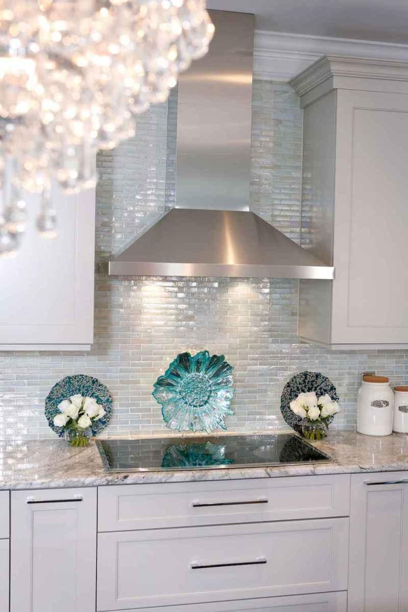 Beautiful kitchen remodel backsplash tile ideas (39)