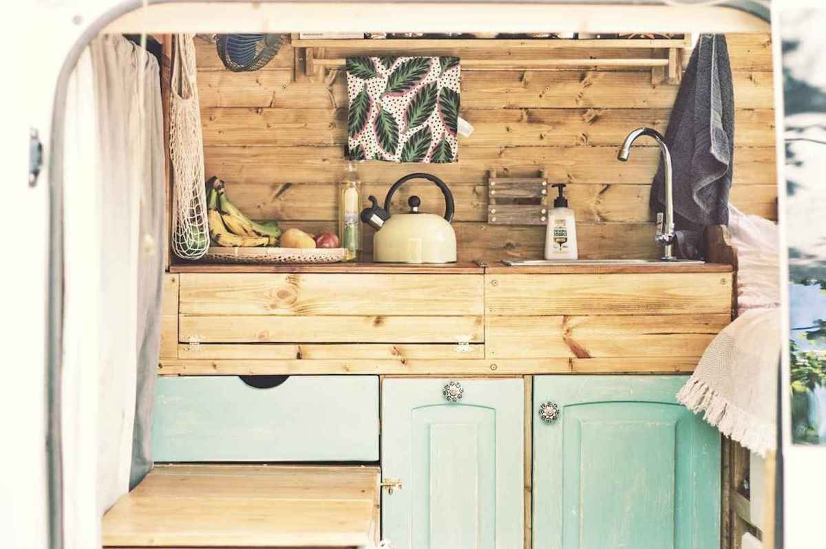 Best rv camper van interior decorating ideas (27)