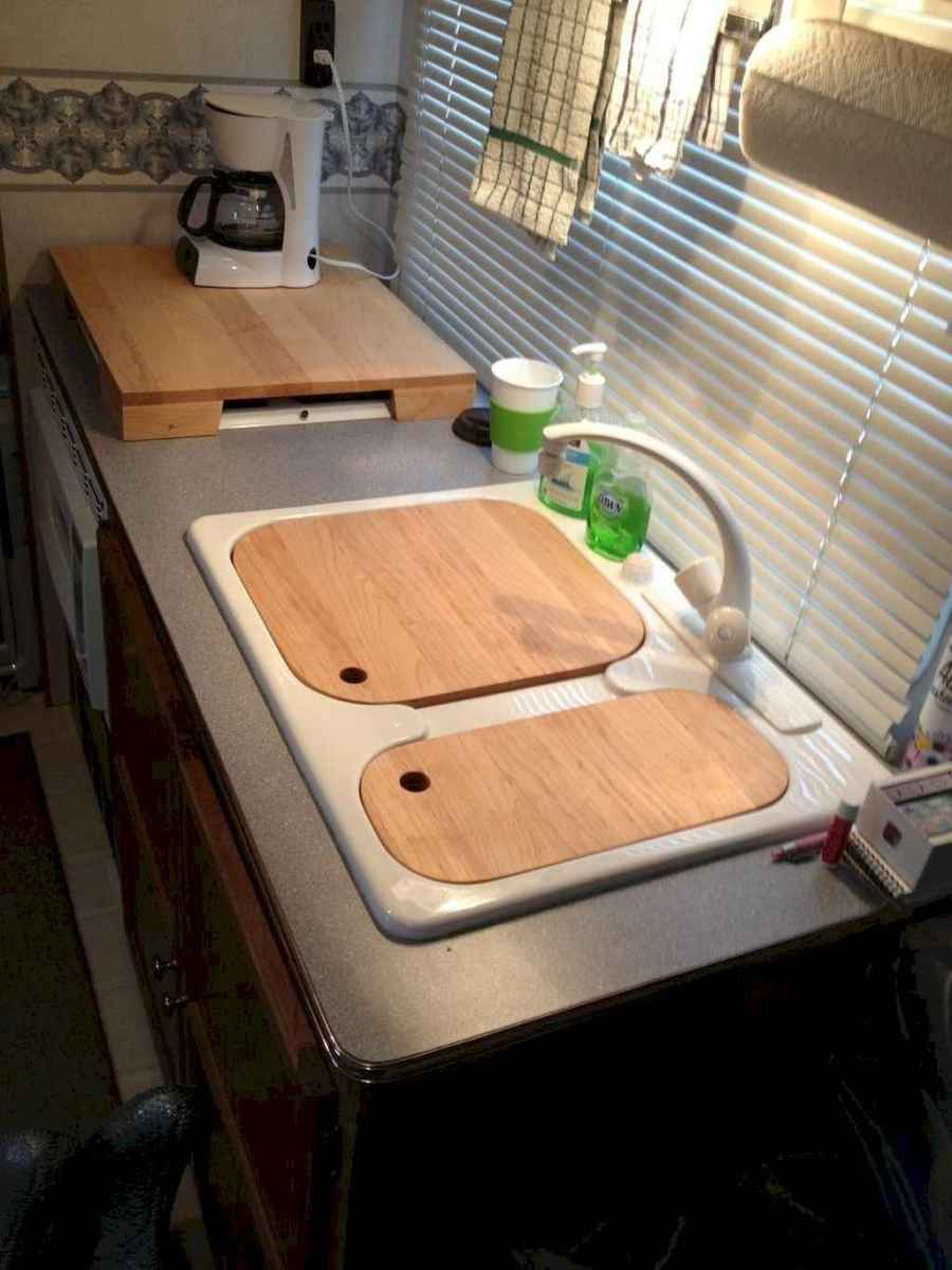 Best travel trailers remodel for rv living ideas (57)