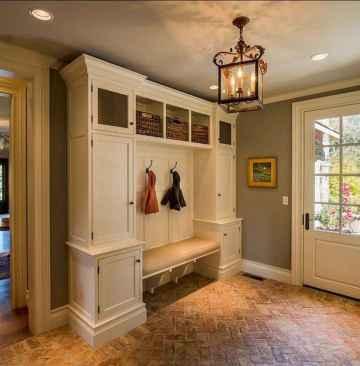 Farmhouse entryway mudroom ideas (12)