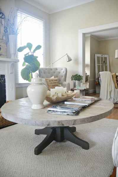 Rustic farmhouse coffee table ideas (73)