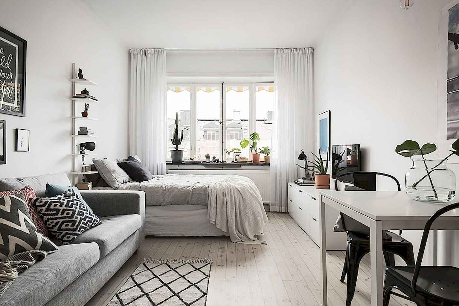 Small apartment studio decorating ideas on a budget (75)