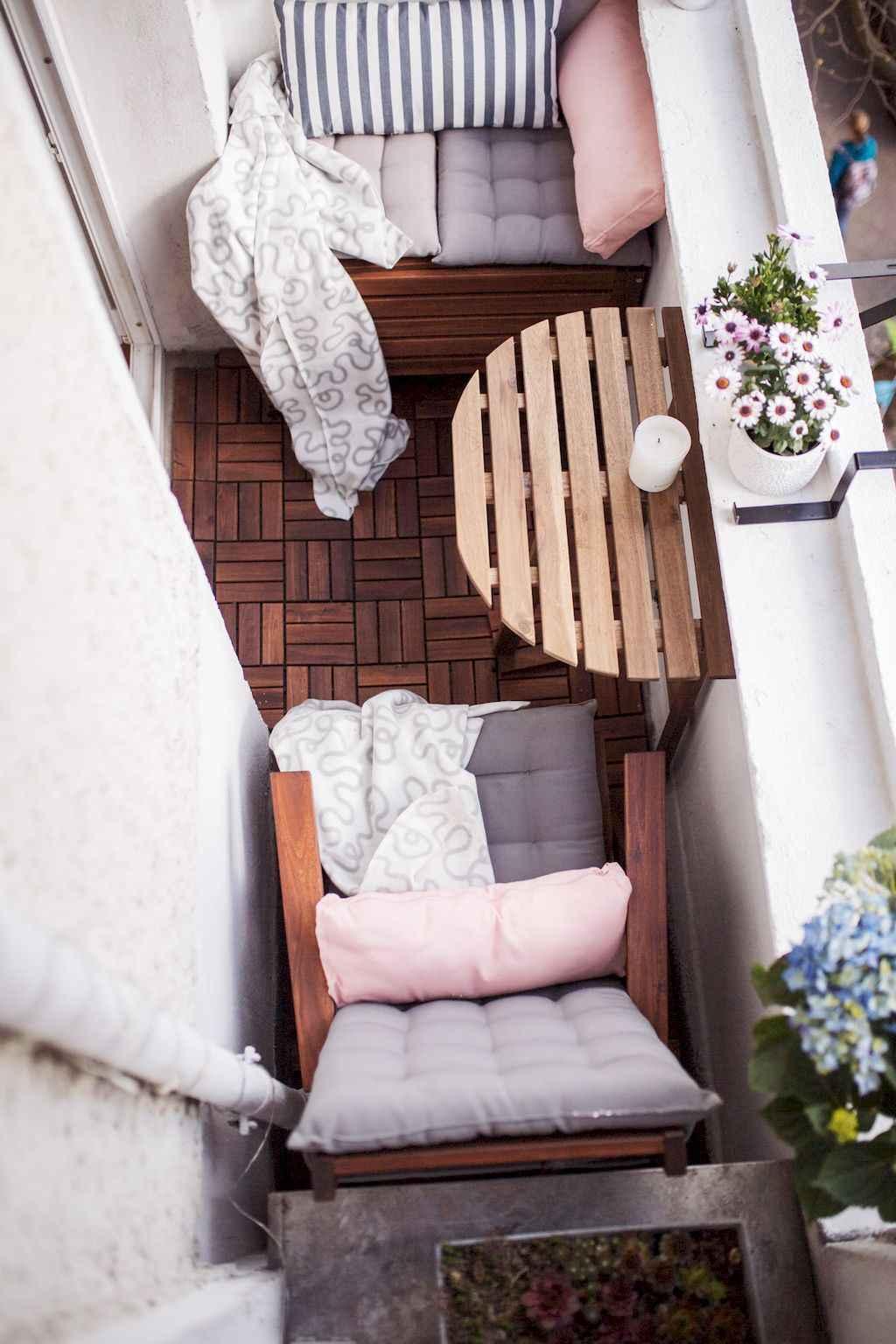 Small balcony decoration ideas (11)