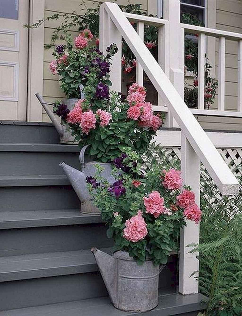 Vintage farmhouse porch ideas (13)