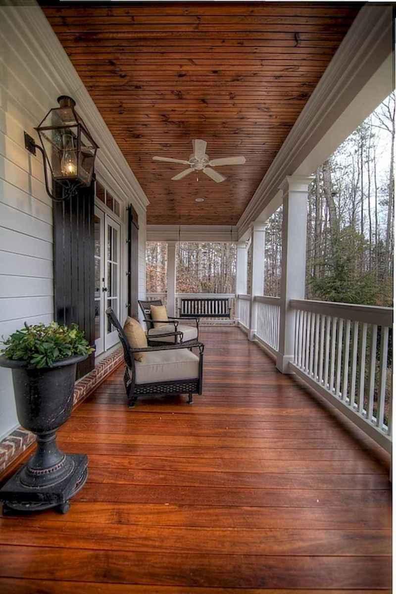 Vintage farmhouse porch ideas (14)