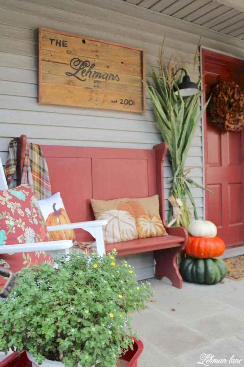 Vintage farmhouse porch ideas (15)