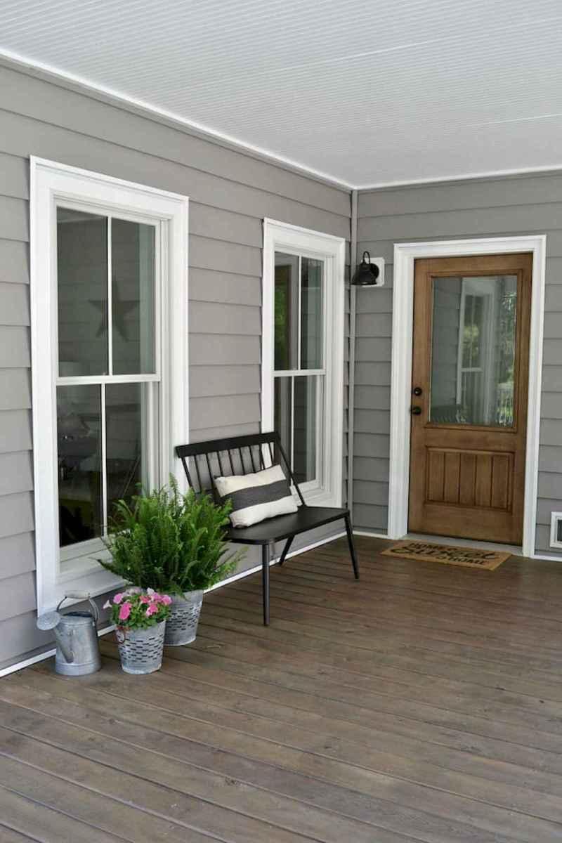 Vintage farmhouse porch ideas (3)