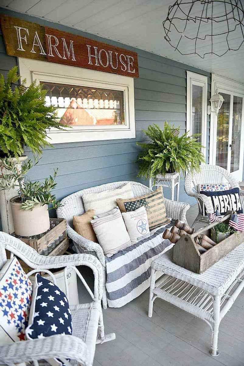 Vintage farmhouse porch ideas (30)