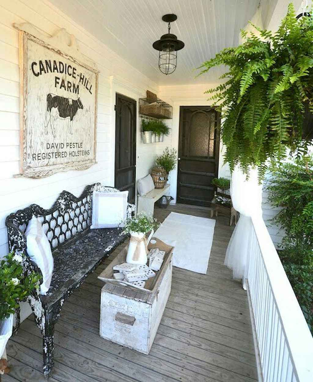 Vintage farmhouse porch ideas (38)