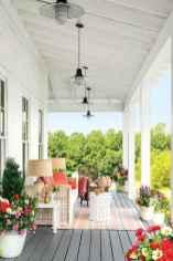 Vintage farmhouse porch ideas (51)