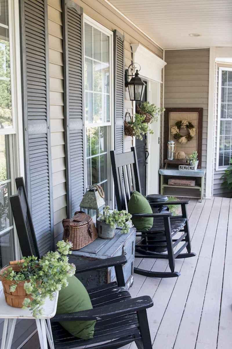 Vintage farmhouse porch ideas (55)