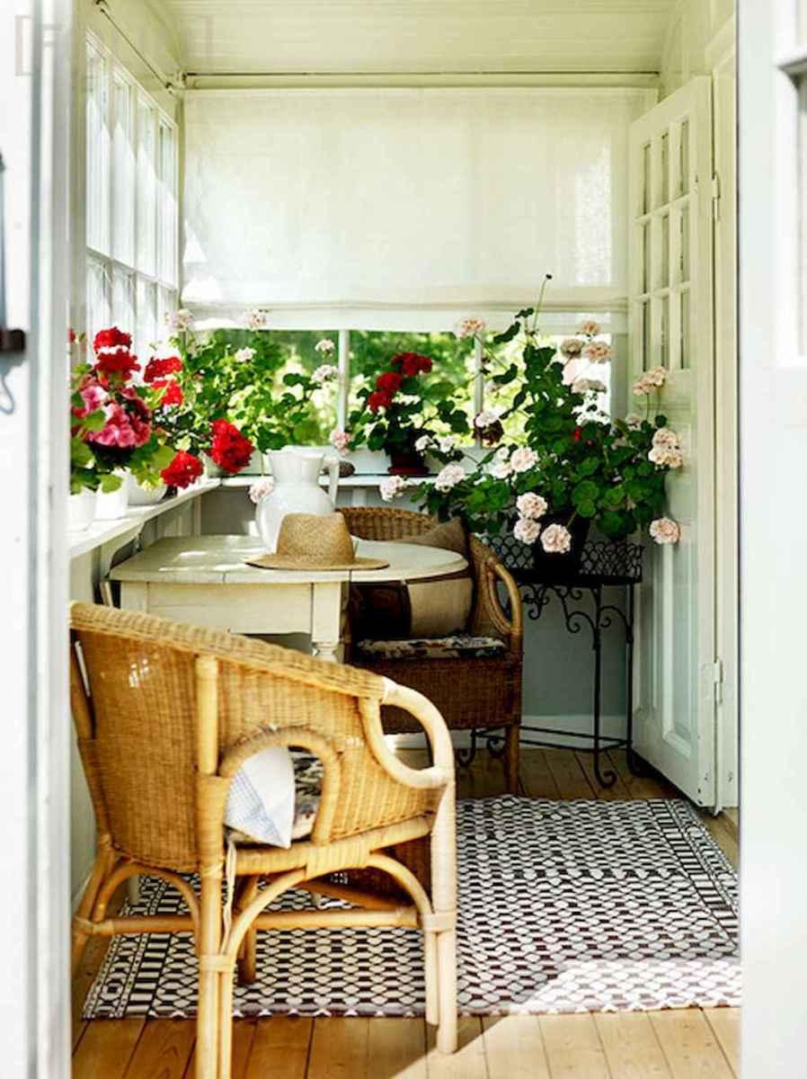 Vintage farmhouse porch ideas (62)