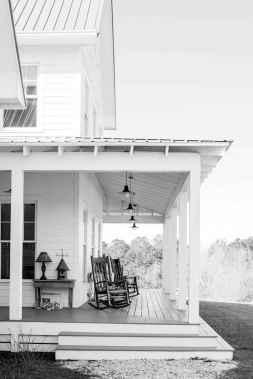 Vintage farmhouse porch ideas (73)