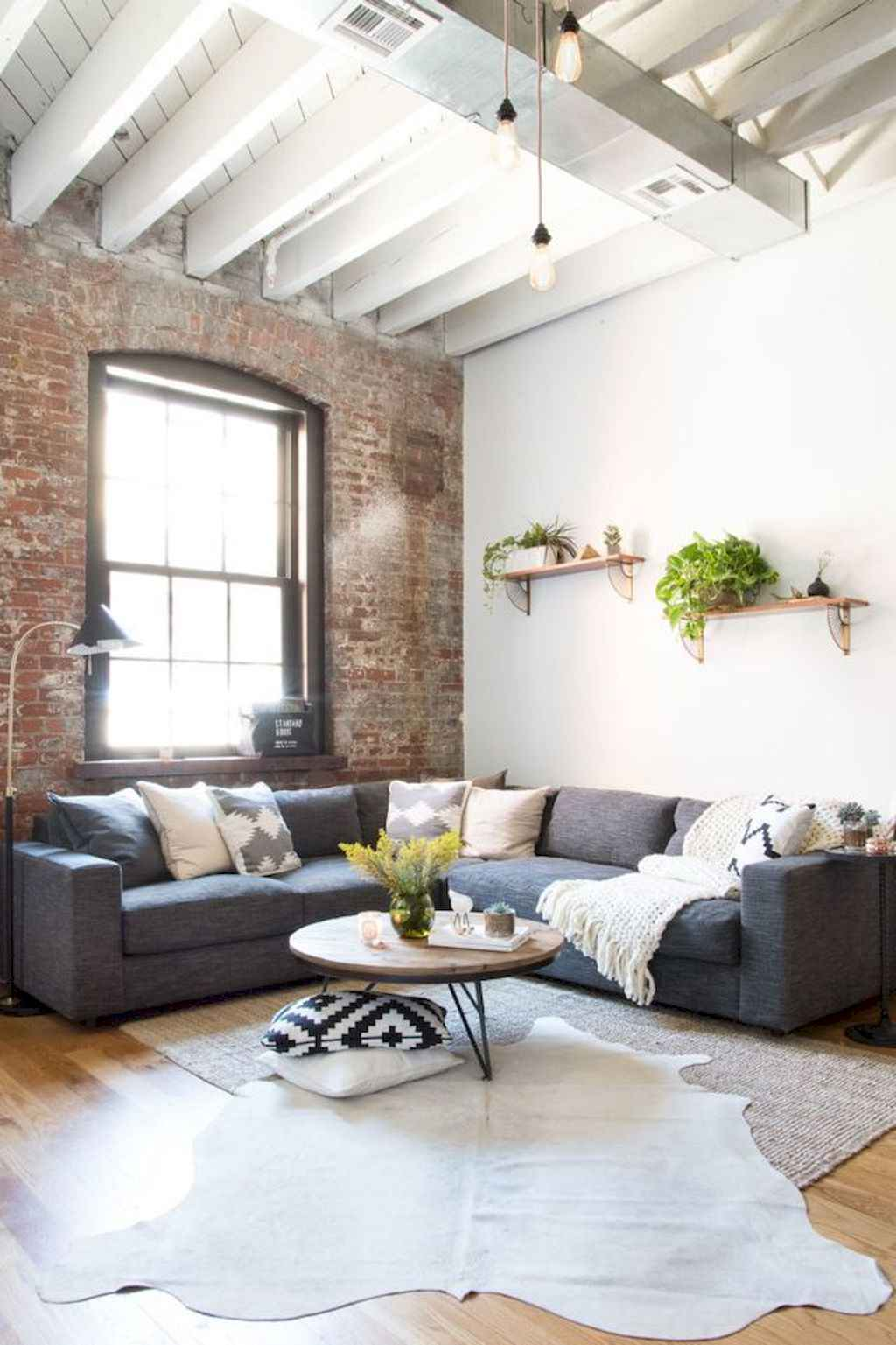 Amazing small first apartment decorating ideas (13)