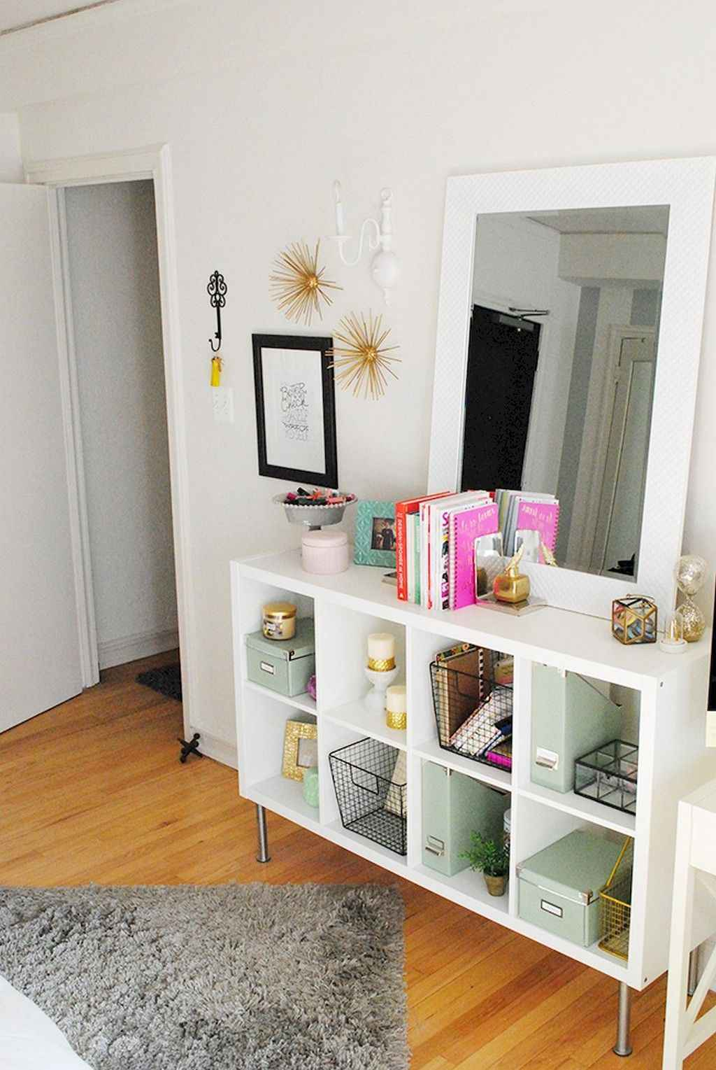 Amazing small first apartment decorating ideas (19)
