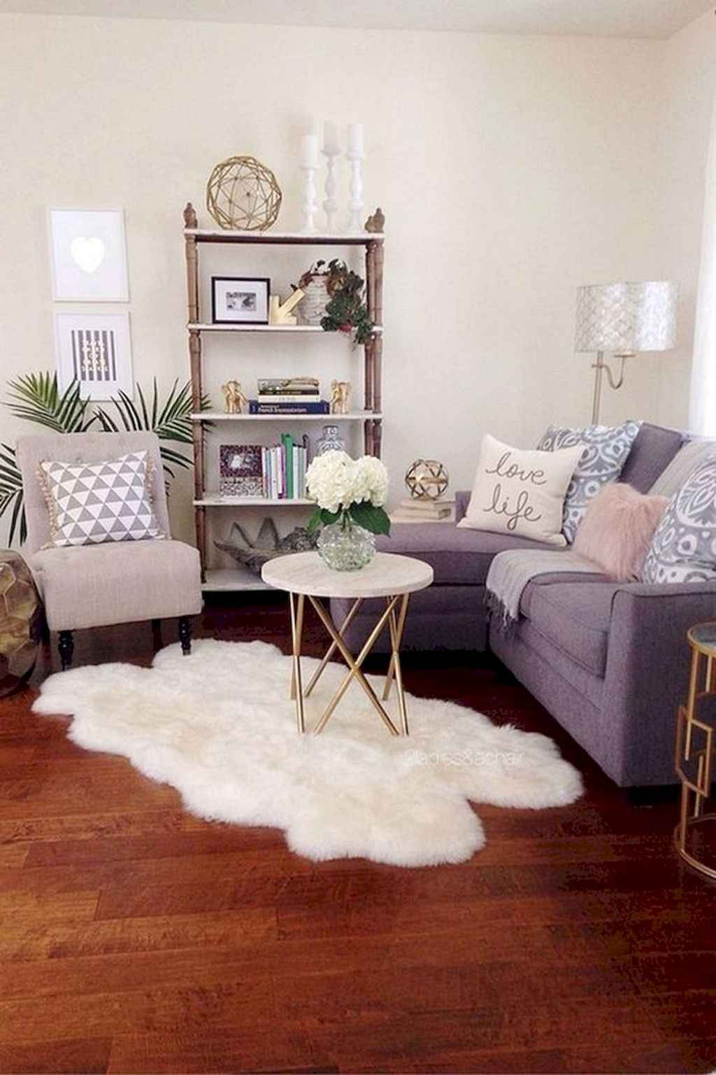 Amazing small first apartment decorating ideas (58)