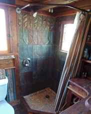 Amazing tiny house bathroom shower ideas (26)