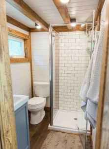 Amazing tiny house bathroom shower ideas (48)