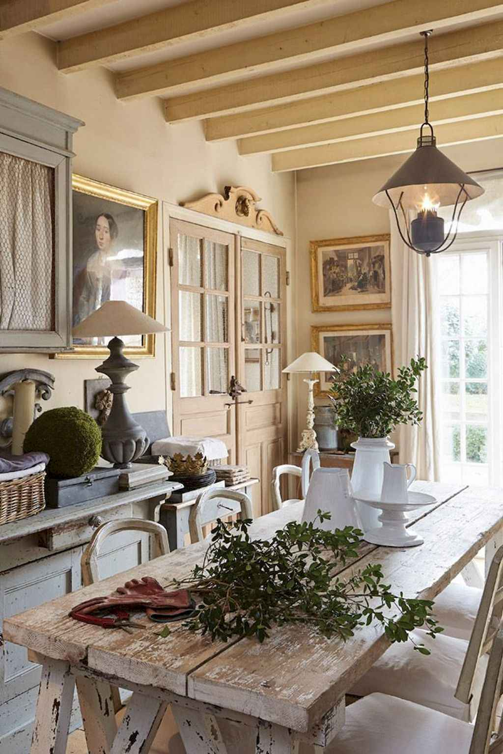 Beautiful French Country Dining Room Ideas (9)