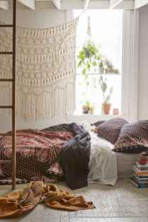 Bohemian style modern bedroom ideas (20)