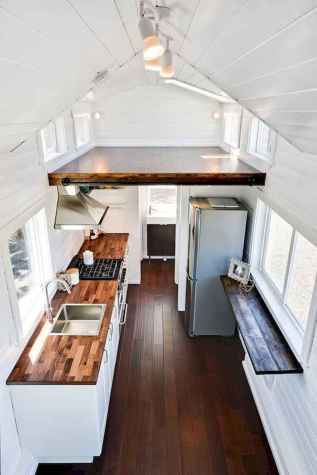 Clever tiny house kitchen decor ideas (31)
