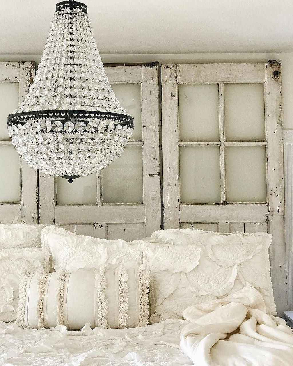 Cozy apartment decorating ideas on a budget (26)