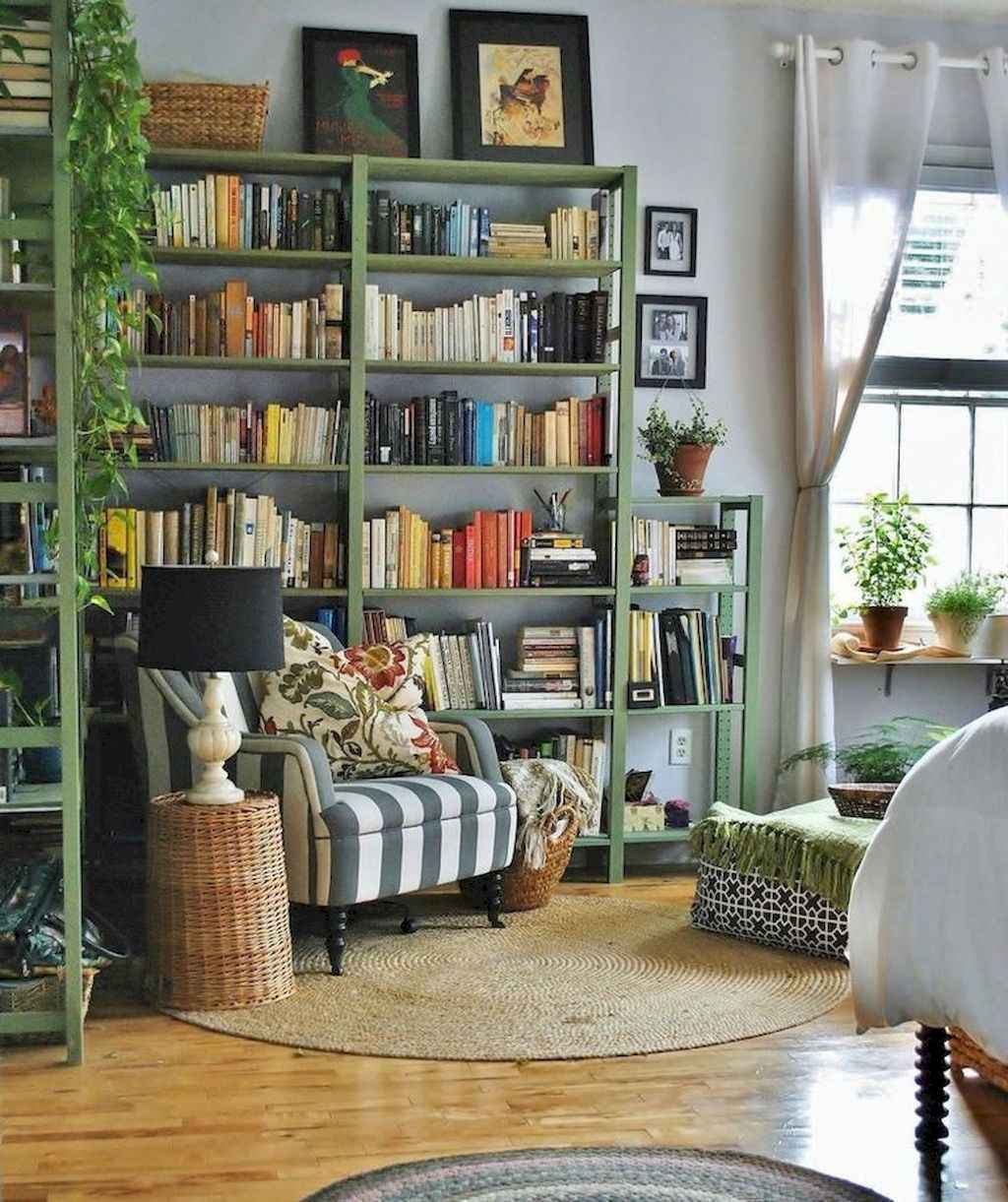 Cozy apartment decorating ideas on a budget (34)