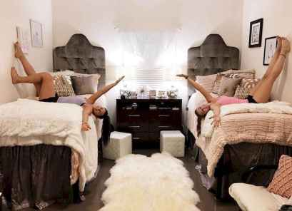 Cute dorm room decorating ideas on a budget (9)