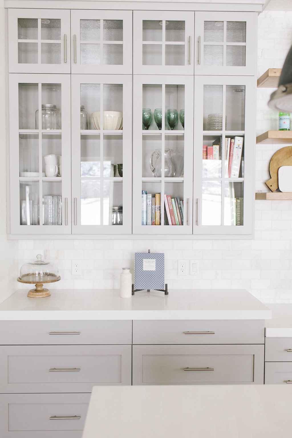 Gorgeous gray kitchen cabinet makeover ideas (16)