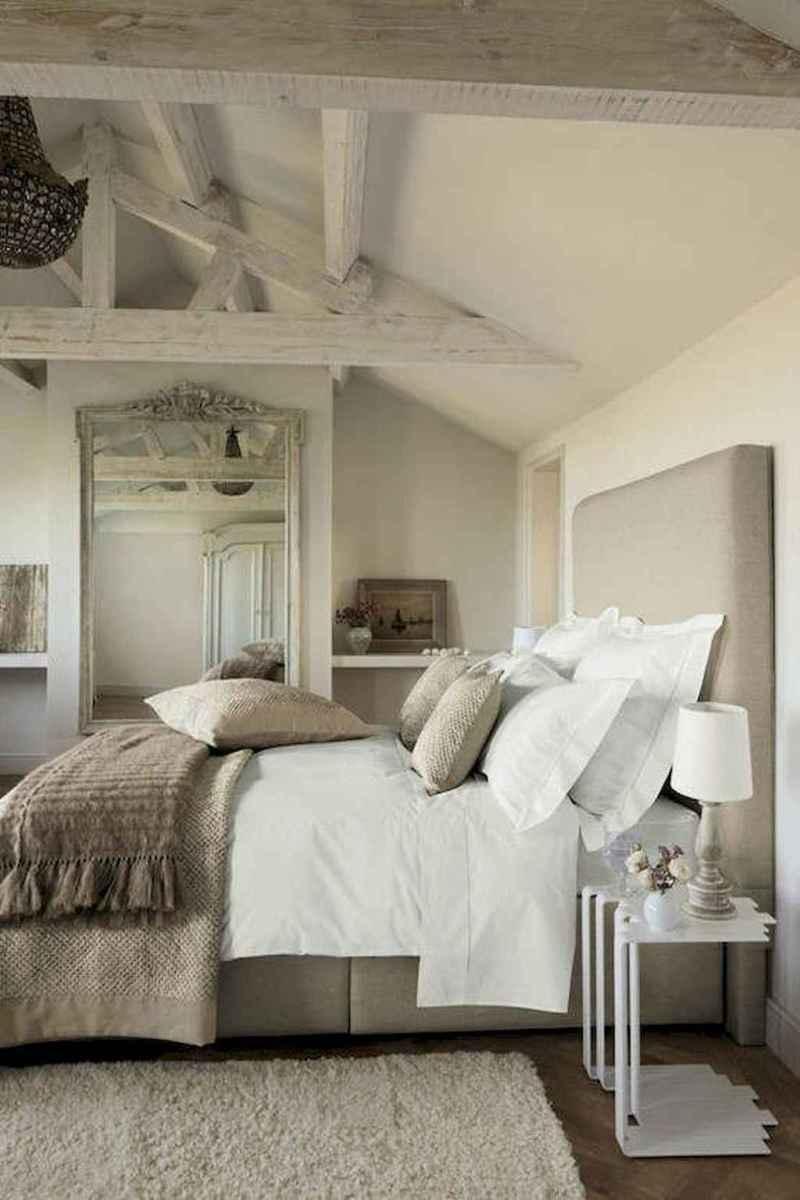 Modern farmhouse style master bedroom ideas (21)