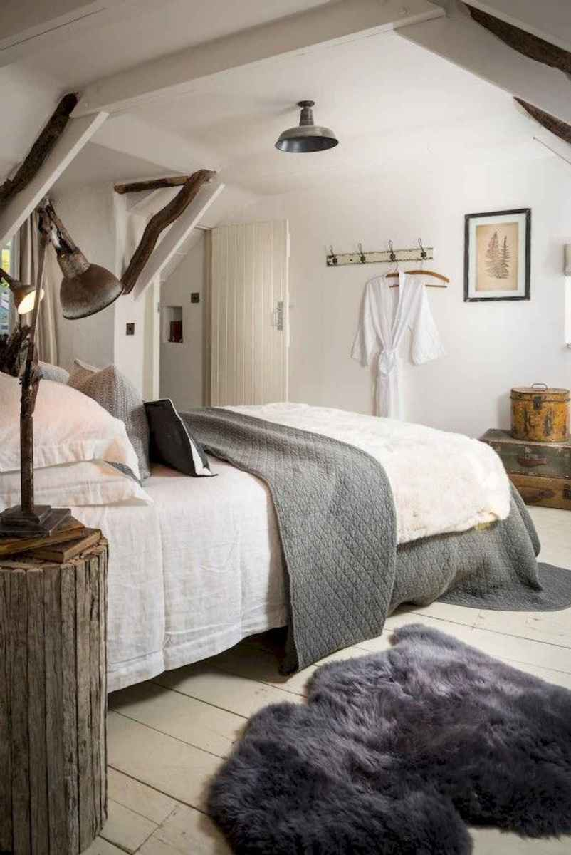 Modern farmhouse style master bedroom ideas (38)