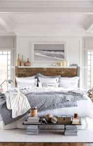 Modern farmhouse style master bedroom ideas (52)