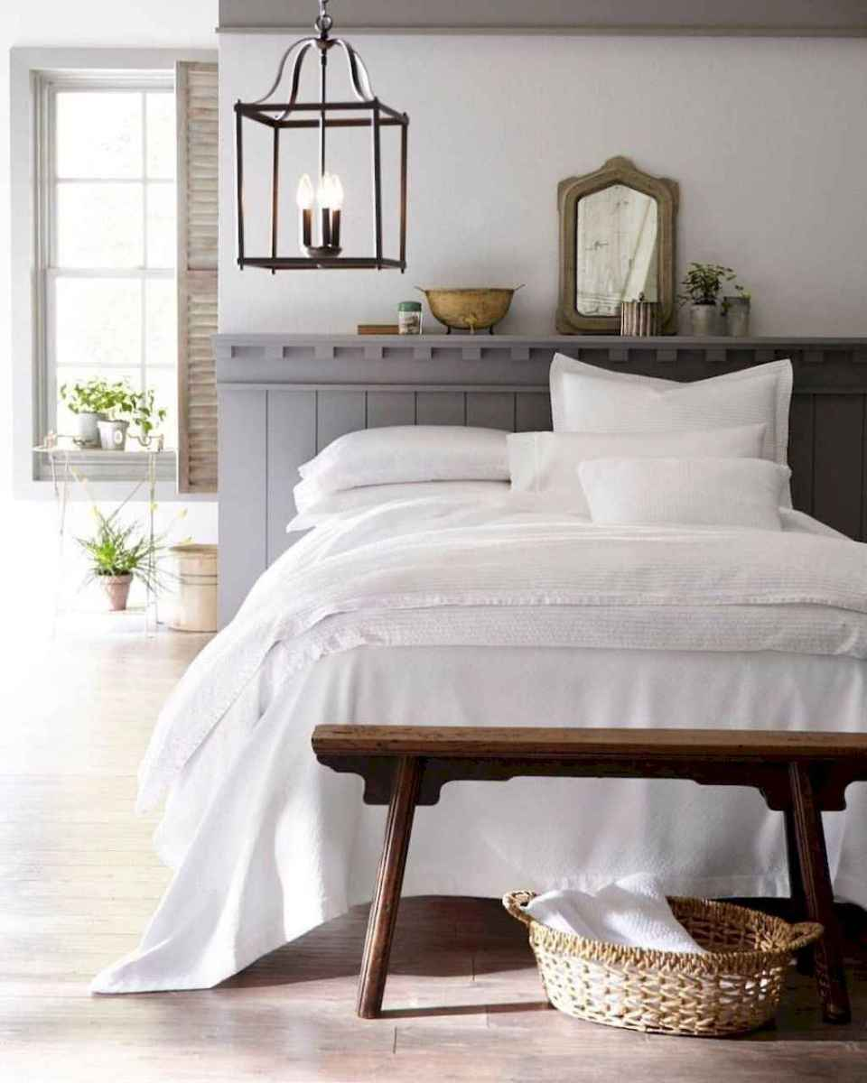 Modern farmhouse style master bedroom ideas (81)