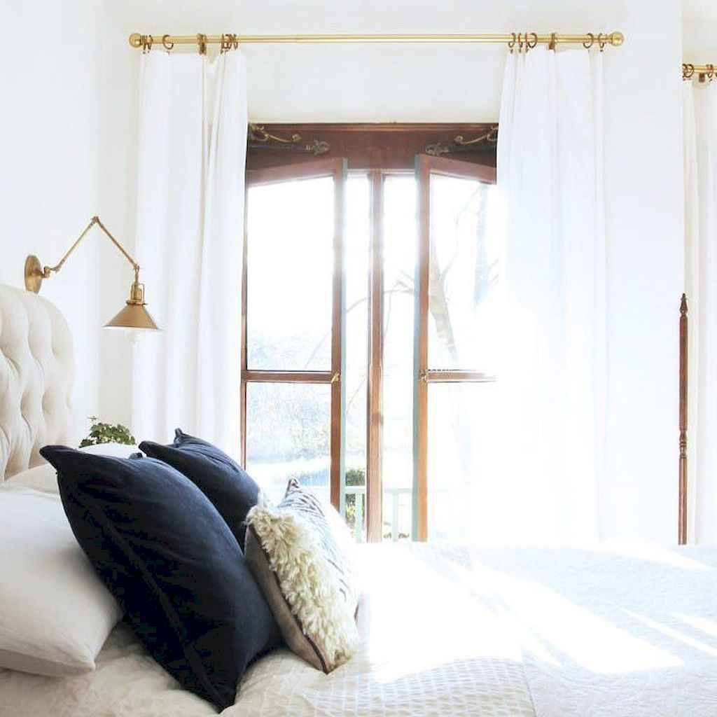 Modern farmhouse style master bedroom ideas (87)