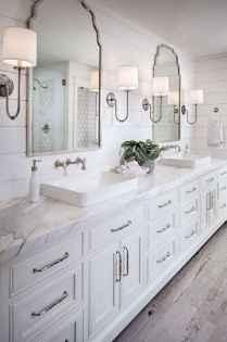 Rustic farmhouse master bathroom remodel ideas (18)
