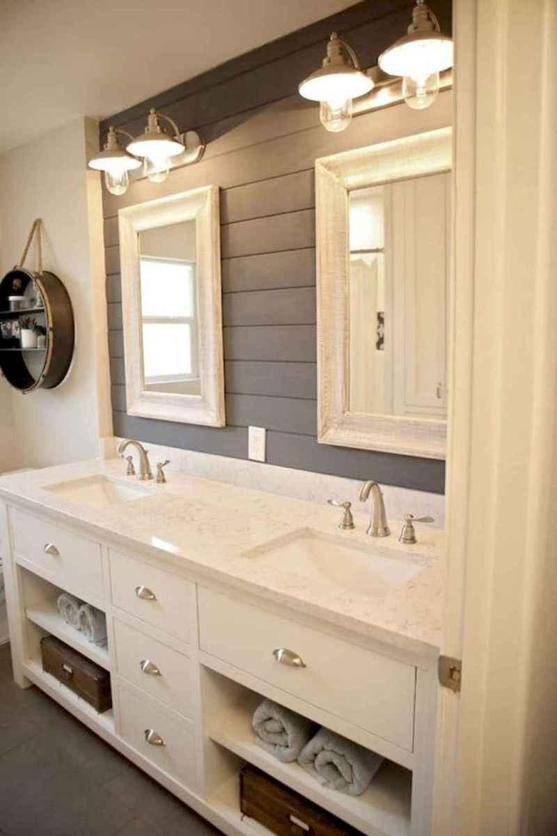 Rustic farmhouse master bathroom remodel ideas (56)