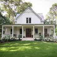33 gorgeous farmhouse front porch decorating ideas