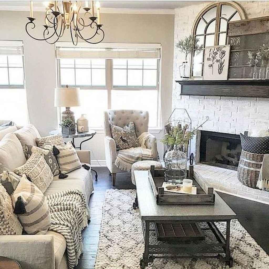 08 cozy farmhouse living room rug decor ideas