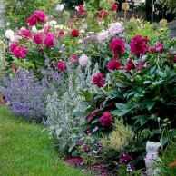 29 stunning front yard cottage garden inspiration ideas